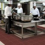 NOTRAX 550RD Cushion Ease Red - Mata przemysłowa modułowa z drenażem, olejoodporna przemysł spożywczy i gastronomia, kuchnia 3