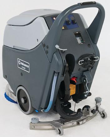 Nilfisk SC450 - Automat szorująco-zbierający, szorowarka do posadzek twardych SC 450, tył urządzenia