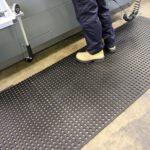 COBA Unimat - Uniwersalny gumowy dywanik z drenażem, antypoślizgowy