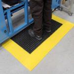 COBA Tough Deck - podest przemysłowy z otworami, na stanowisko pracy